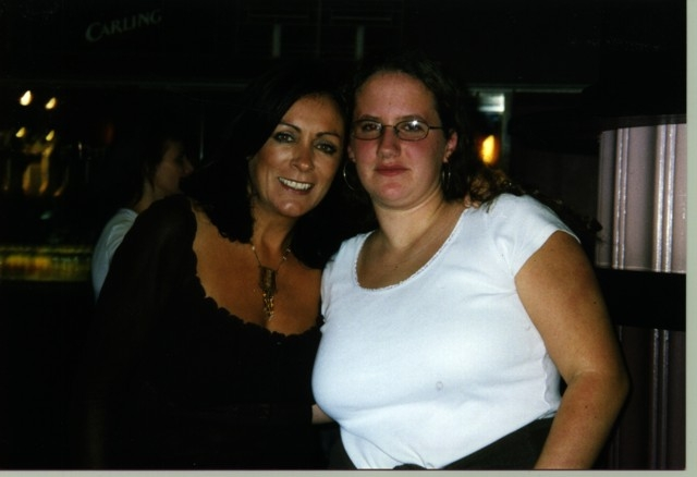 Photo 20 from the Mary Black with fans gallery